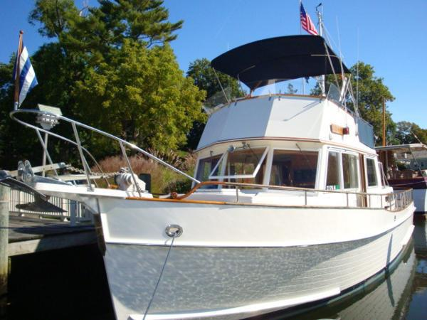 Grand Banks 42 Classic sold by Essex Yacht sales