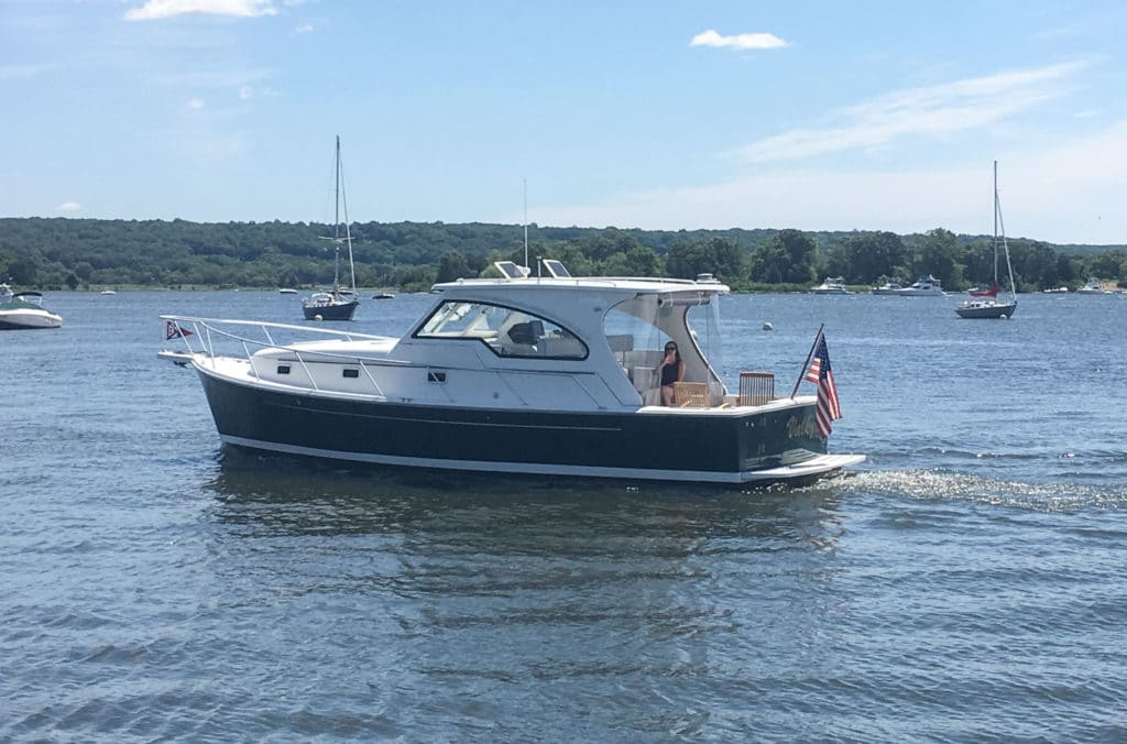 Mainship 34 Pilot offered by Essex Yacht sales