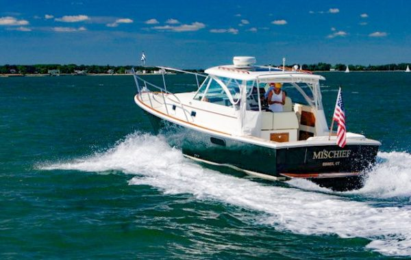 Hunt Yachts Surfhunter 33 – 2006